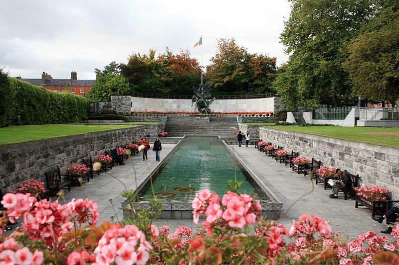 http://visitdublin.ru/wp-content/uploads/visitdublin/2012/08/Garden-of-Remembrance.jpg